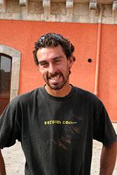 Agriturismo Siracusa: Pietro Spanò sta per mettersi alla guida del trattore