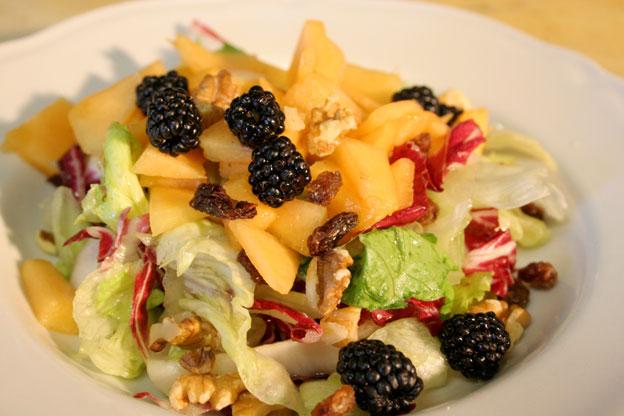 Ristorante Siracusa: insalata verde alla frutta e more